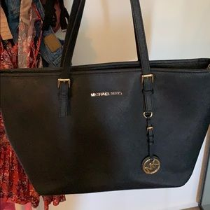 JET SET LARGE TOTE!!!